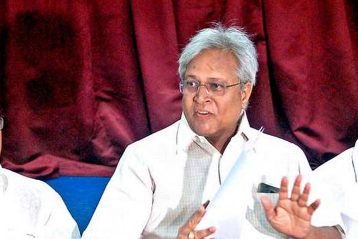 'Jagan, Don't Underestimate Chandrababu'